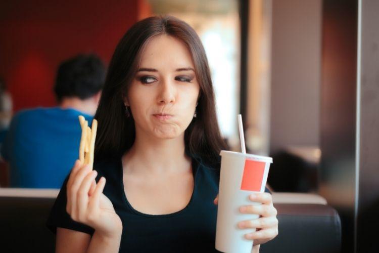 6 dicas para comer no Fast Food sem prejudicar a saúde intestinal